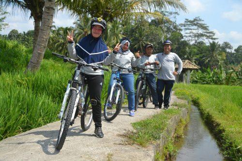 cyclingdiubud@outingdibali.com